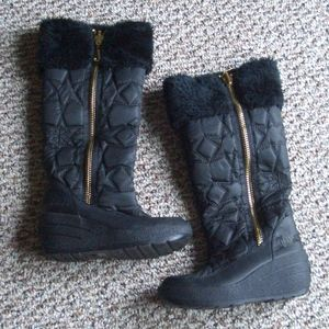 Juicy Couture quilted faux fur lined snow boots 6
